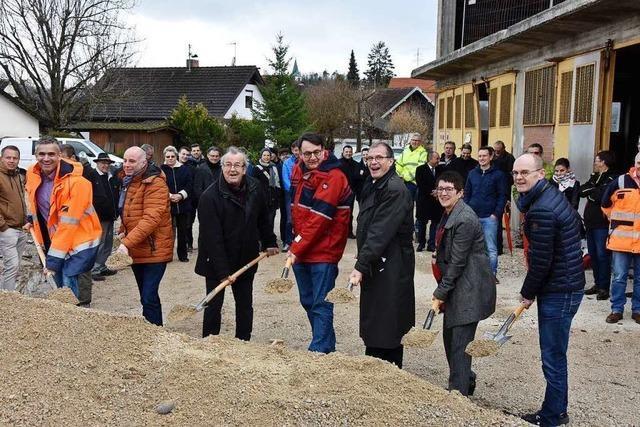 Spatenstich für 42 Häuser im Baugebiet Weihermatt in Minseln