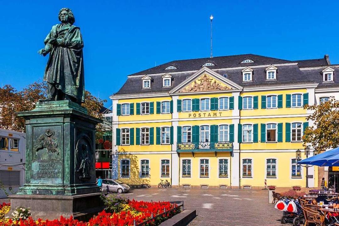 Beethoven-Denkmal auf dem Münsterplatz in Bonn  | Foto: Hanseat (stock.adobe.com)