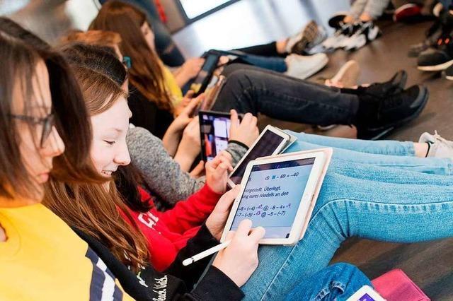 Wie wird der Digitalpakt an Schulen umgesetzt?