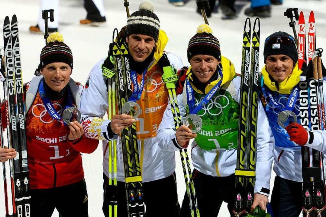 2014 in Sotschi mit der Silbermedaille...ls: Lesser, Pfeiffer, Böhm und Schempp  | Foto: PIERRE-PHILIPPE MARCOU