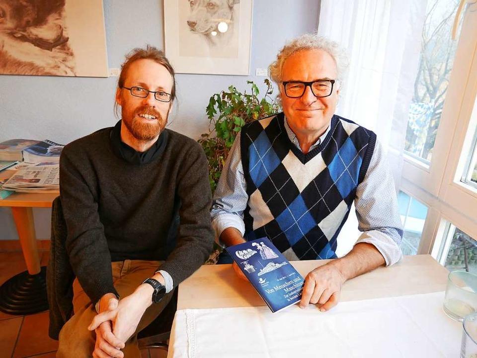 Mit dem Schicksal der Familie Löwenste...te Thomas (links)  und Manfred Fögele.  | Foto: Michael Gottstein