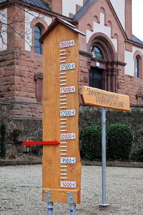 Das neue Spendenbarometer für die Einr...emeinschaftsräume in der Pfarrscheune.    Foto: Beate Zehnle-Lehmann