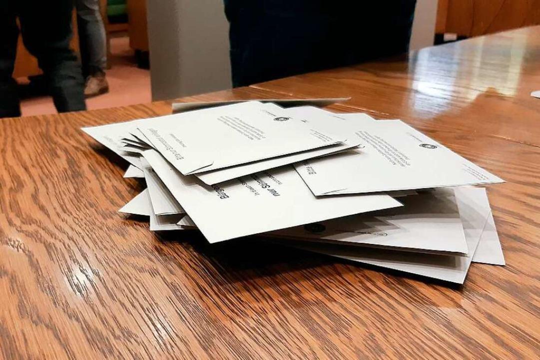 Und noch einmal! Die Heitersheim müsse...nnerhalb von zwei Wochen zur Wahlurne.  | Foto: Sophia Hesser