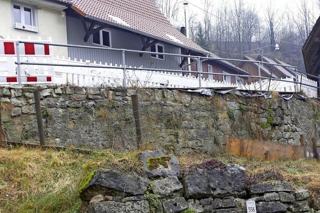 Alte Trockenmauer in Lembach wird erneuert