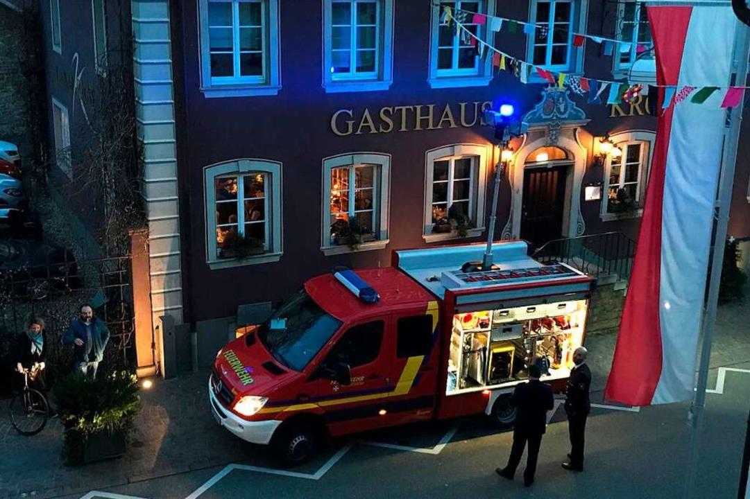 Ein Einsatzwagen wird den Rathausplatz hell erleuchten.  | Foto: Bernhard Amelung