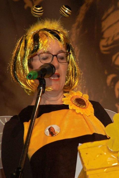 Ortsvorsteherin Eveline Klein als Biene    Foto: Petra Wunderle