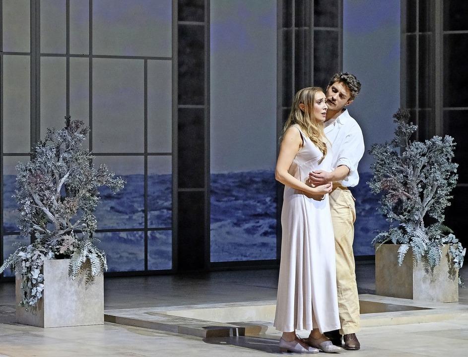 Szene aus der Inszenierung: Louise Kem...ce) und Jakub Józef Orlinski (Tolomeo)  | Foto: Falk von Traubenberg