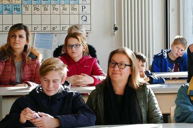 Hans-Thoma- und Hebel-Gymnasium werben um Lörracher Schüler