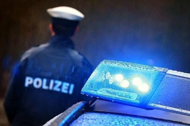 Zwei Autos beim Zeller Bahnhof aufgebrochen