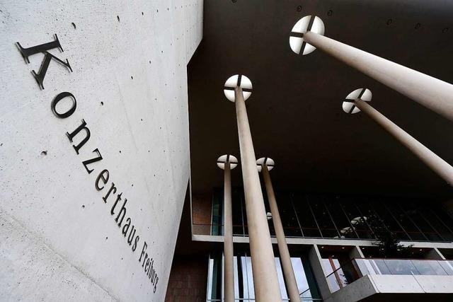 Unbekannter verletzt 18-Jährigen am Konzerthaus Freiburg mit Schlag ins Gesicht