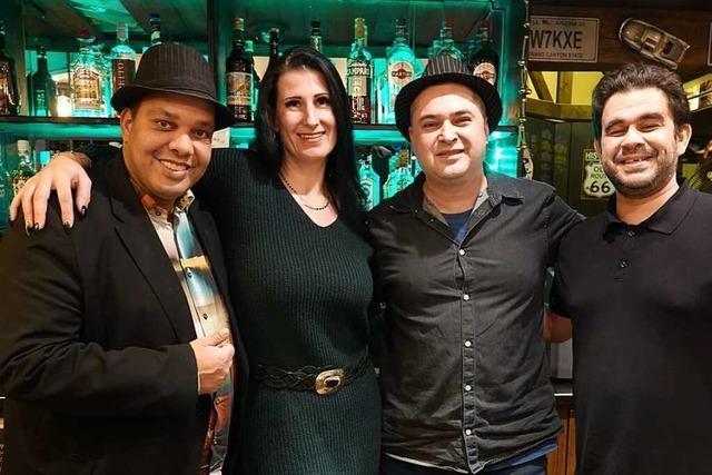 In der Bar Manhattan in Rheinfelden/Schweiz spielt die Musik