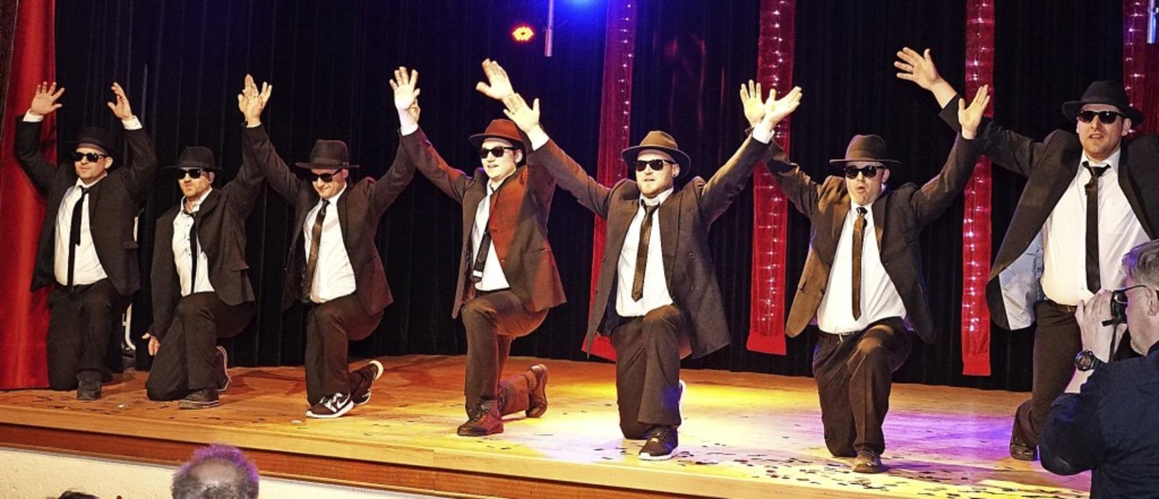 Schindlejokel können auch anders als s...t: die Narrenräte als Blues Brothers.     Foto: Helmut Häringer