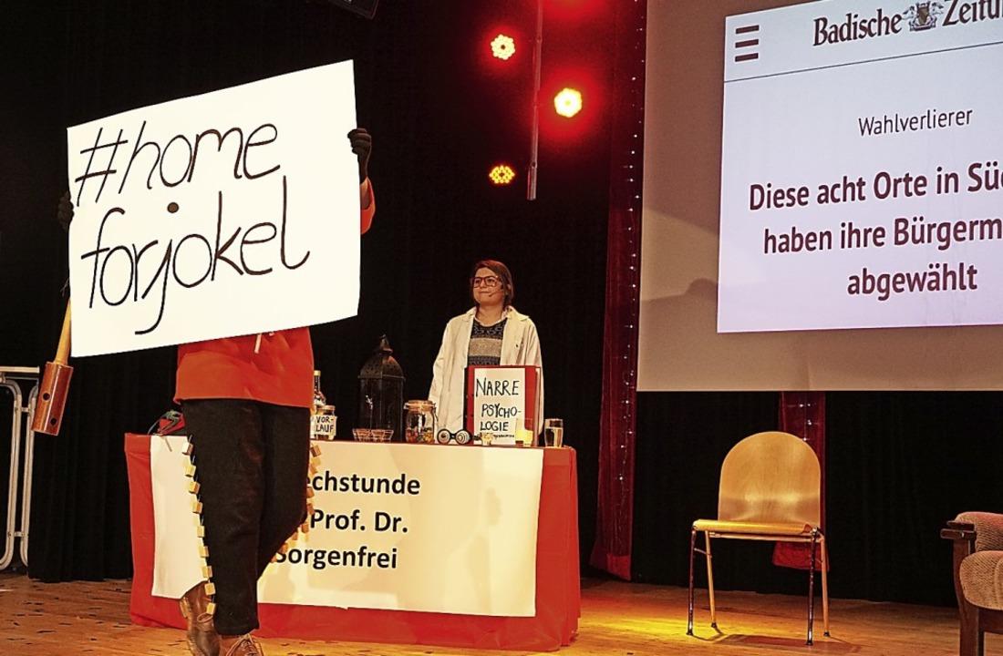 Die Schindlejokel suchen ein Heim: Eig...u Professor Doktor Sorgenfrei traurig.    Foto: Helmut Häringer