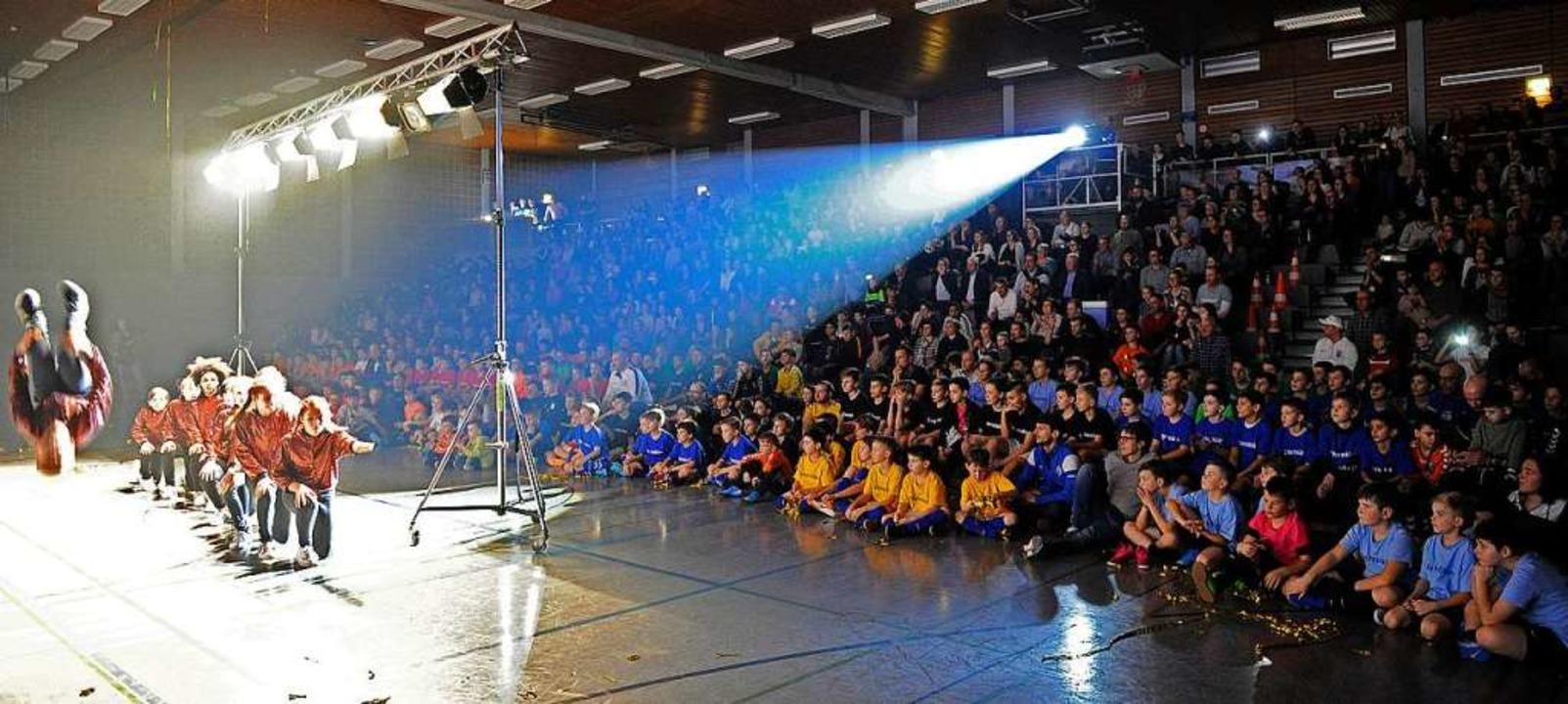 Das Hallensportzentrum war bei der gro...ugend-Stadtmeisterschaft voll besetzt.  | Foto: Pressebüro Schaller
