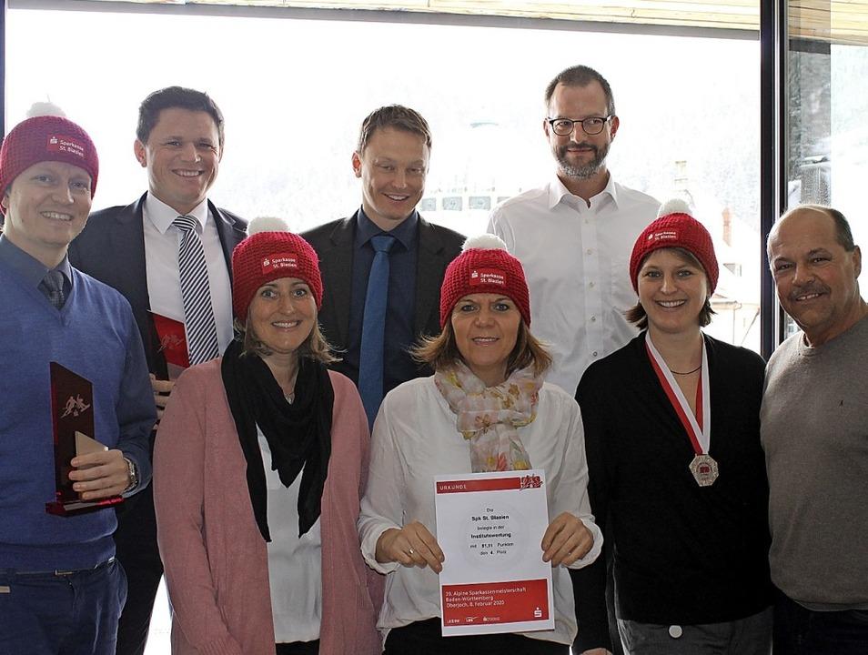 Die Rennmannschaft aus St. Blasien um ...ef Fabian Schmidt (Zweiter von links).  | Foto: Cornelia Liebwein