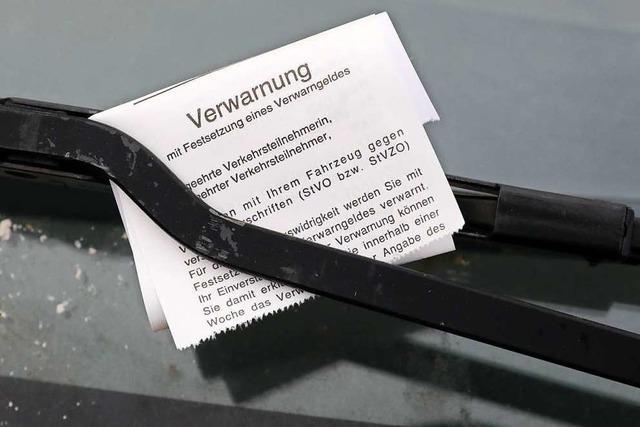 Ebringer Räte sehen Sicherheit im Ort durch wild geparkte Autos gefährdet
