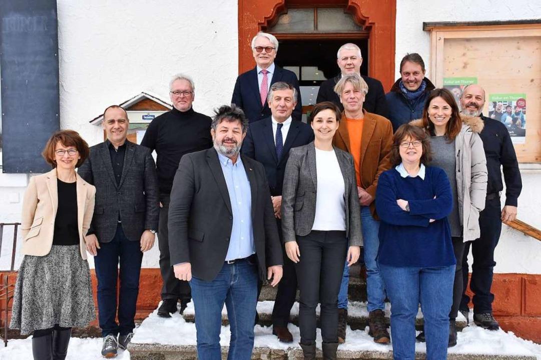 "Ortstermin: Projektleiterin Annette Re...ut-Projekt ""Lerndorf"" vor.  | Foto: Thomas Biniossek"