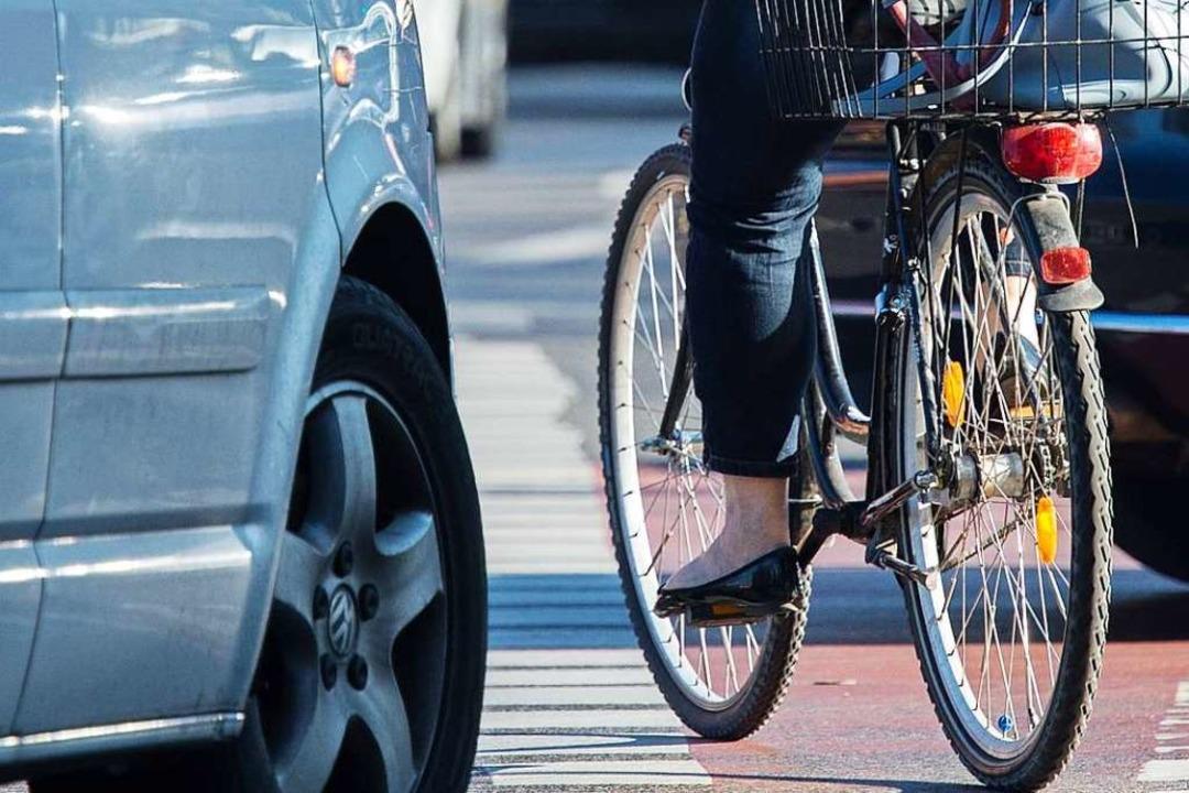 Symbolbild: In der Basler Straße ist eine Radfahrerin mit einem Auto kollidiert.    Foto: Silas Stein