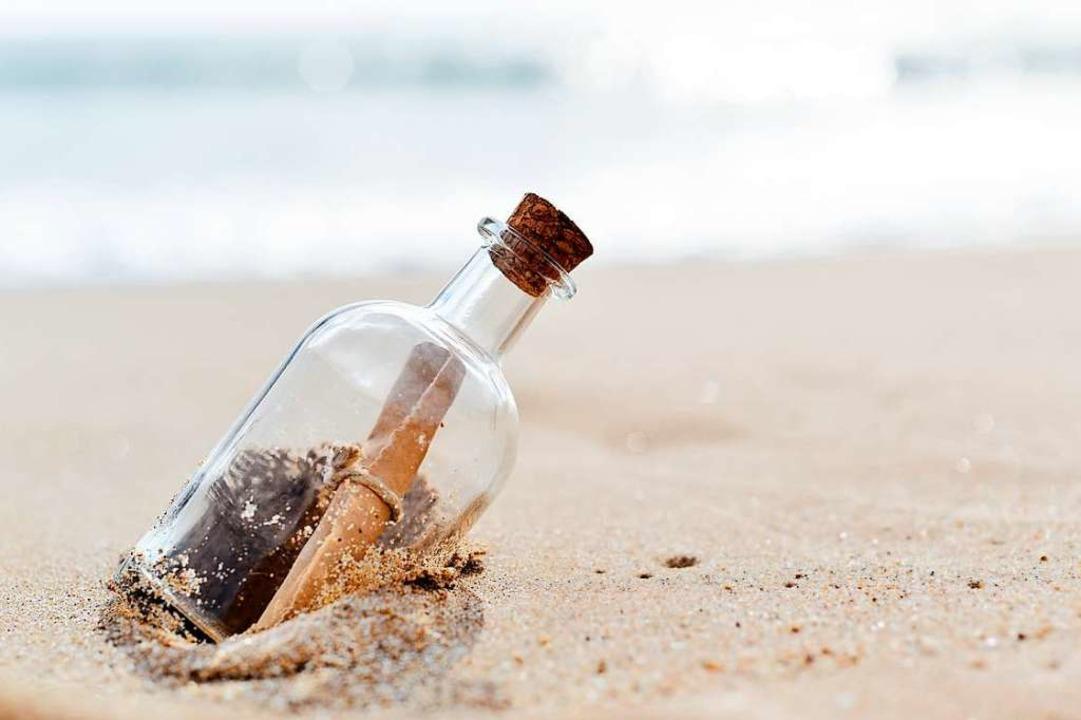 Nach acht Jahren wurde die Flaschenpos...er vor Langeoog gefunden (Symbolbild).  | Foto: nito/adobe.com