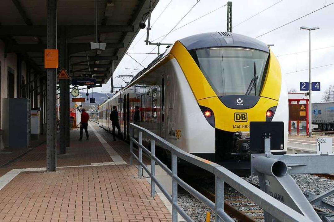 Die Breisgau-S-Bahn am Breisacher Bahnhof  | Foto: Agnes Pohrt