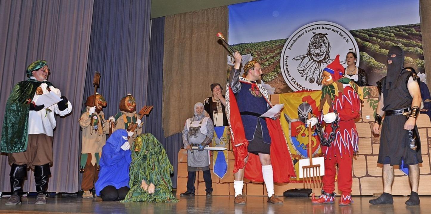 Endinger Jokili, Weisweiler Nume und R...fel  vor dem Forchheimer Narrengericht  | Foto: Roland Vitt