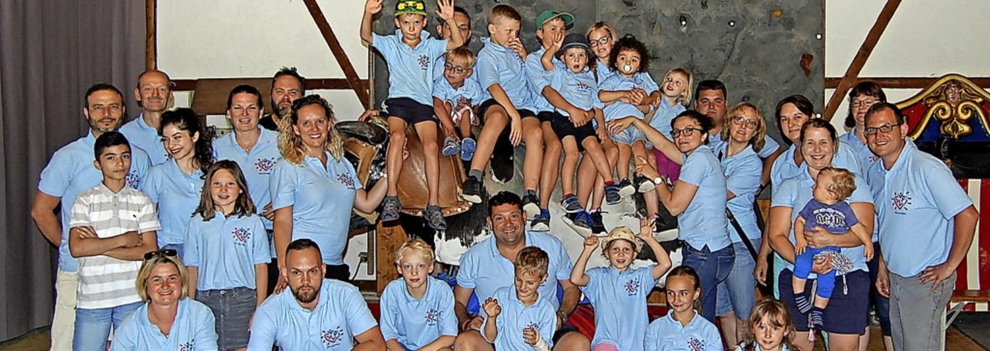 Alle Kinder der Familien sind bei den ...isbauernhof Lochmühle in Eigeltingen.     Foto: Herzkinder