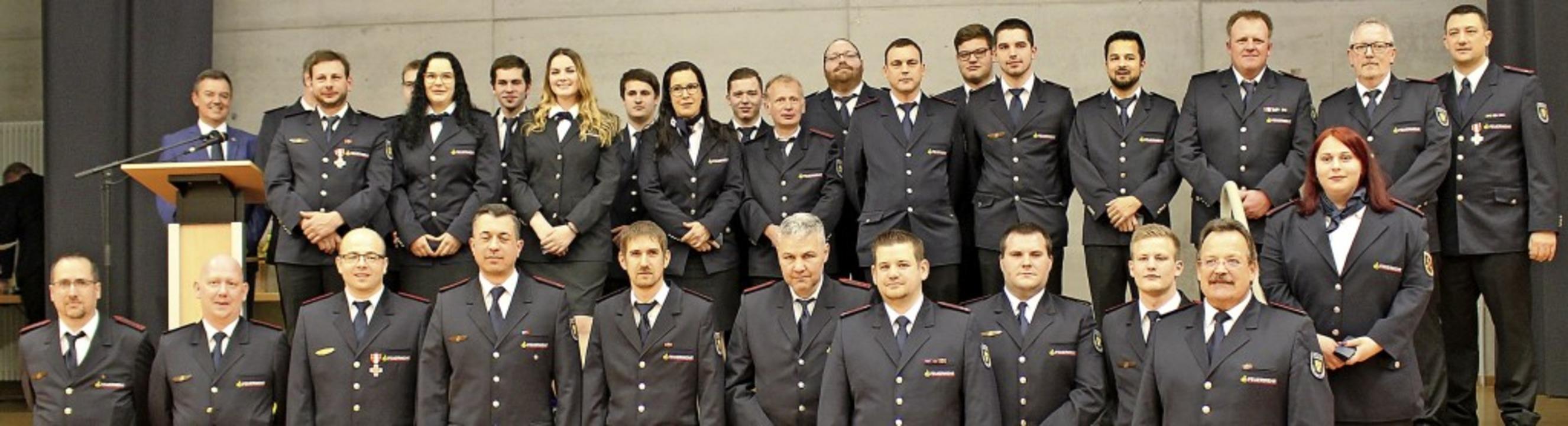 Freiwillige  Feuerwehr Bad Krozingen: ...re Verdienste geehrt oder befördert.      Foto: Stadt Bad Krozingen/Daniela Sandmann