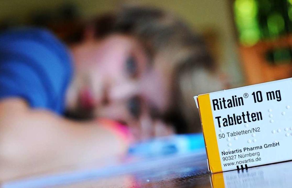 Medikamente können Kindern mit ADHS Er..., aber auch falsche Hoffnungen nehmen.  | Foto: Julian Stratenschulte