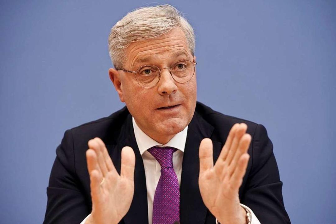 Überraschende Ankündigung: Norbert Röttgen will CDU-Chef werden.  | Foto: Michael Kappeler (dpa)