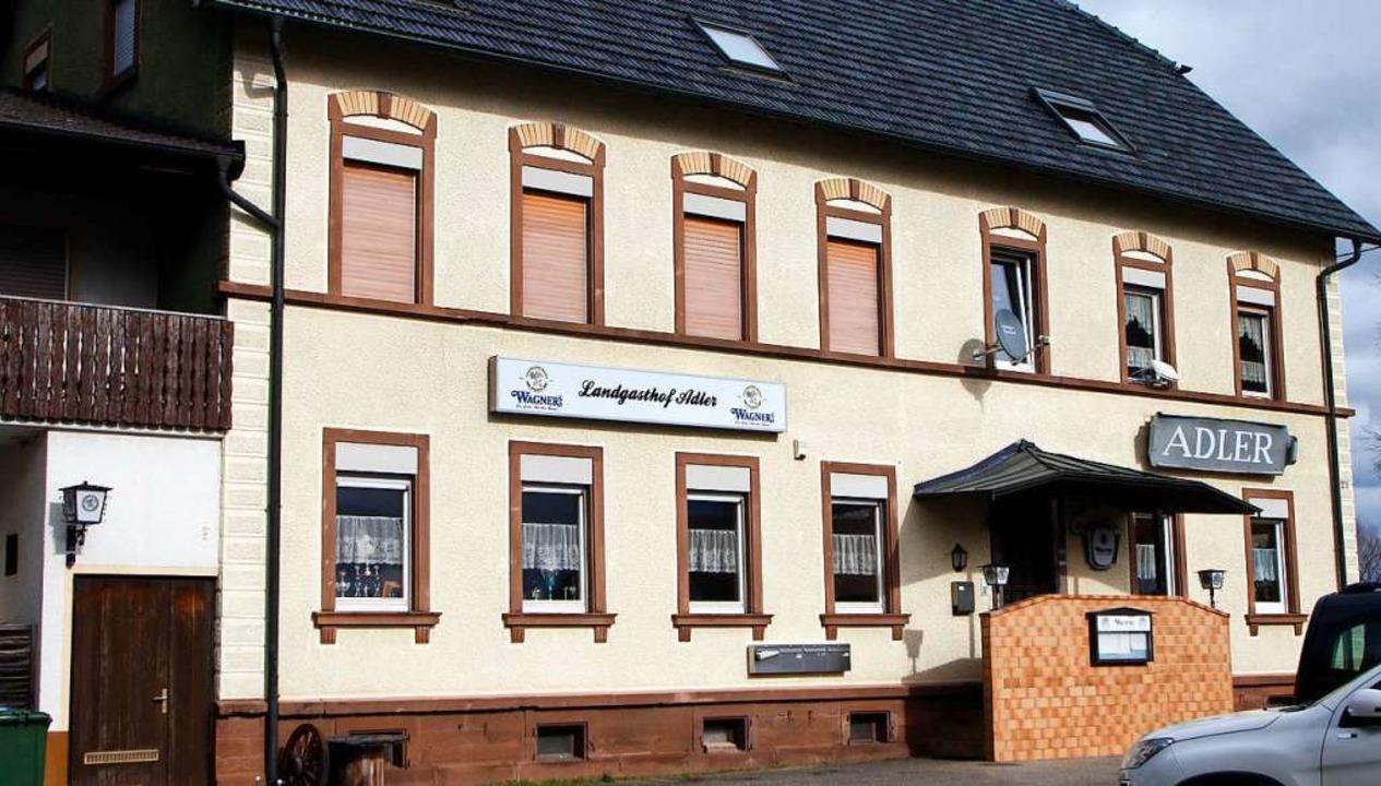 Das Gasthaus Adler in Müllen soll umgenutzt werden.  | Foto: Heidi Fößel