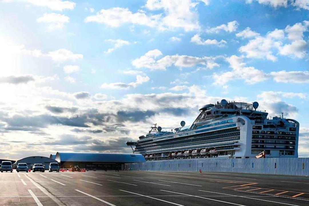 Das Kreuzfahrtschiff im Hafen von Yokohama    Foto: KAZUHIRO NOGI (AFP)