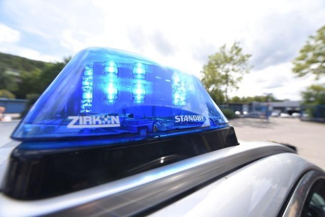 Seniorin wird in Bötzingen vom eigenen Auto angefahren