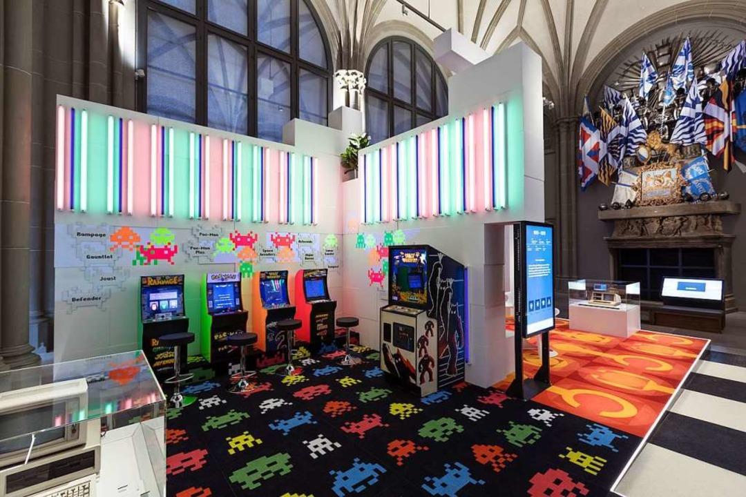 Als die Computer schießen lernten: Arcade-Spiele im 80er-Look  | Foto: JOERG BRANDT