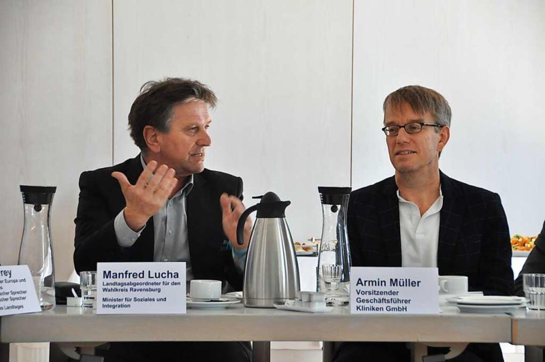 Sozialminister Manfred Lucha (links) und Geschäftsführer Armin Müller    Foto: Daniel Gramespacher