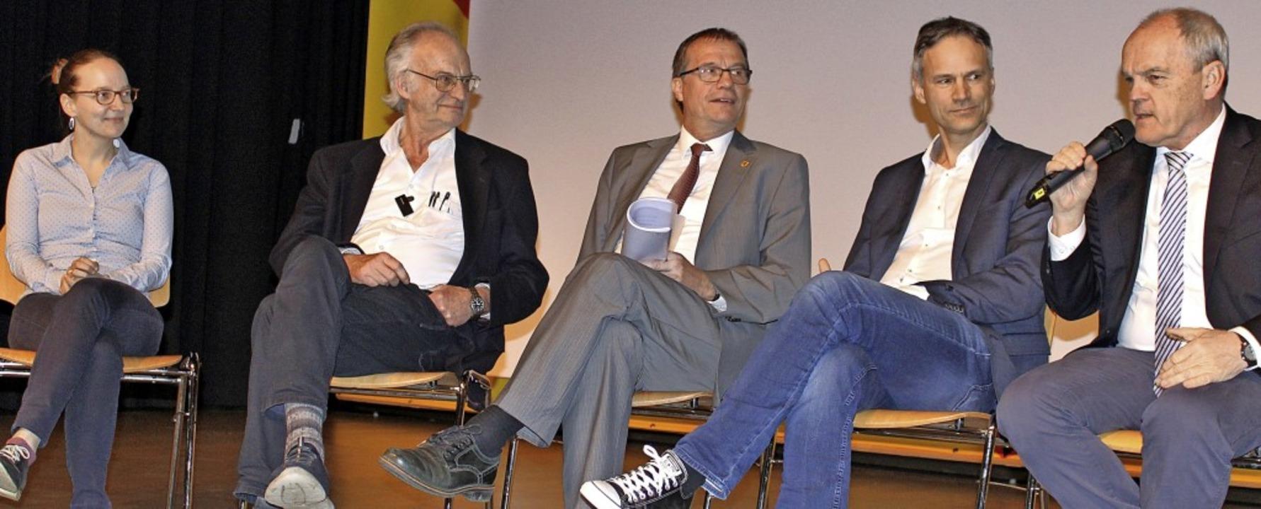 Über die  Versorgung sprachen  Ellen H...mann und Johannes Fechner (von links).    Foto: Rolf Reißmann