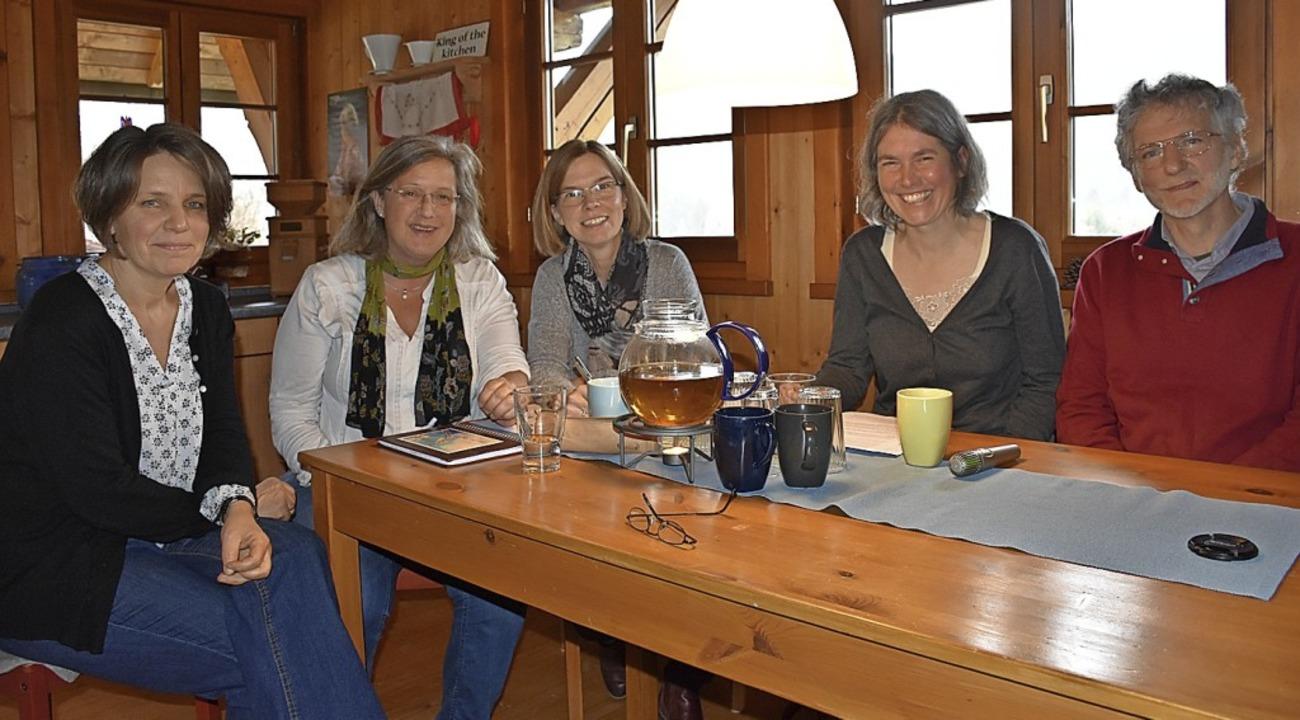 Sabine Stelz, Ingrid Birkenberger, Ann..., um den Weltfrauentag vorzubereiten.   | Foto: Thomas Biniossek