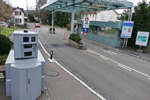 Die Radarfalle an der Riehener Grenze löst bei 20 Stundenkilometer aus – ganz ohne Schild