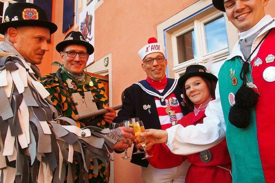 Die Höllenzunft sorgte bei der Rathausstürmung in Kirchzartren wieder für ein buntes närrisches Spektakel. (Foto: Markus Donner)