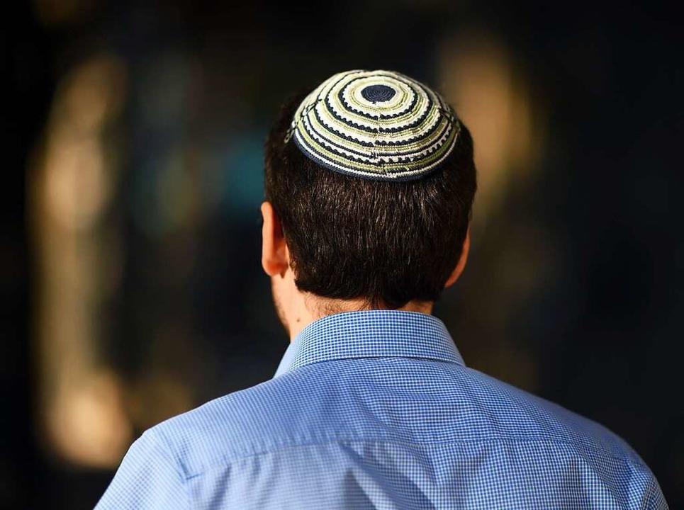 Es ist schwer für mache Juden sich Woh... auch Beleidigungen zu hören bekommen.  | Foto: Uli Deck
