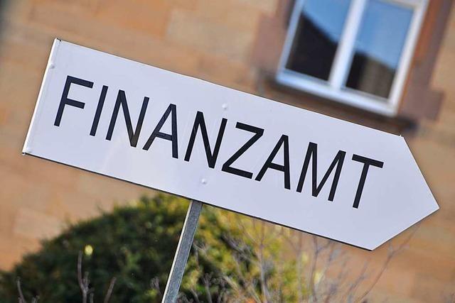 Das Finanzamt Lörrach will weg vom Papier