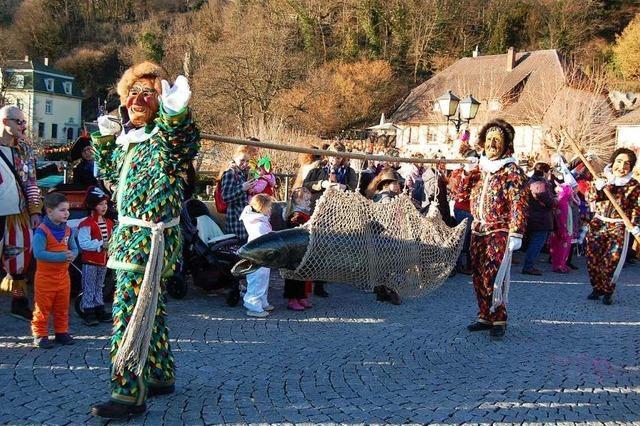 Der Salm wird in Laufenburg gebührend empfangen