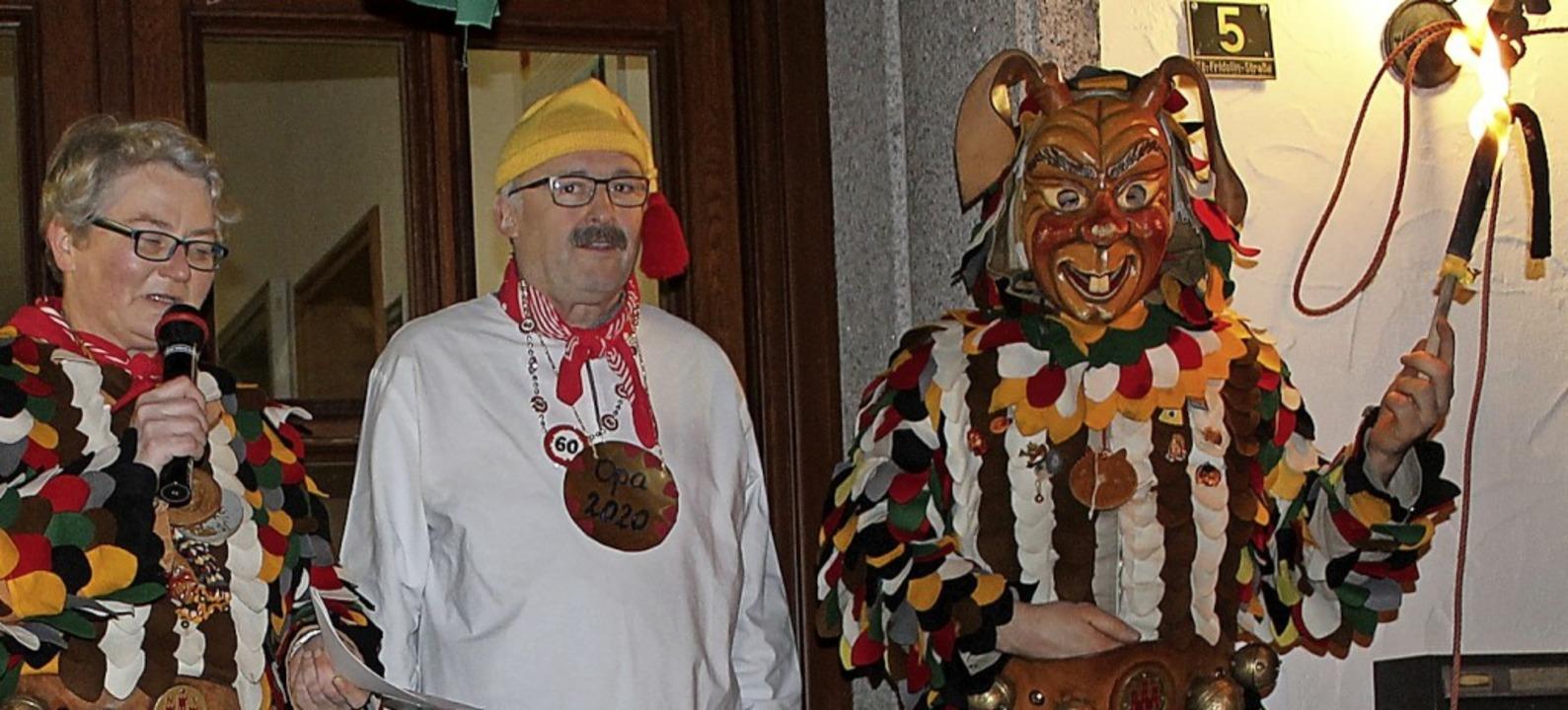Die Kasse und den Schlüssel zum Rathau...eiler von Bürgermeister Thomas Kaiser.    Foto: Cornelia Liebwein