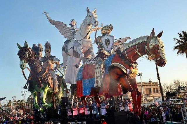 Von Trump bis Frieda Kahlo: Der Karneval in Viareggio