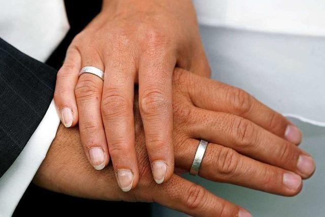 Zwei Paare heiraten am Schmutzigen Donnerstag in Ettenheim