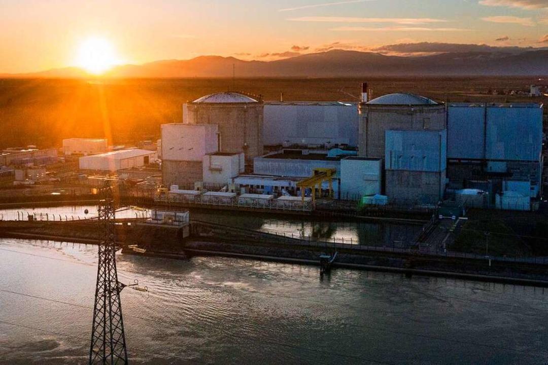Im Atomkraftwerk im elsässischen Fesse...ng kommt dennoch keine Feierlaune auf.  | Foto: SEBASTIEN BOZON (AFP)