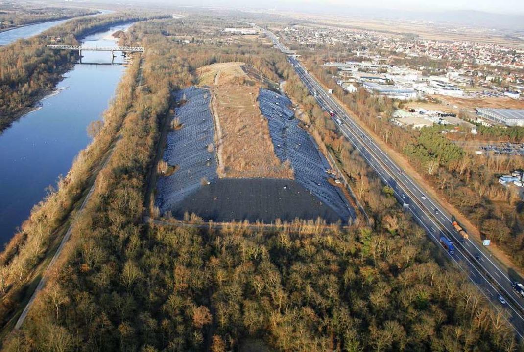 Dieses Bild aus dem Jahr 2010 zeigt di...e soll der Solar-Strom-Park entstehen.  | Foto: Eloi Giera - Bay