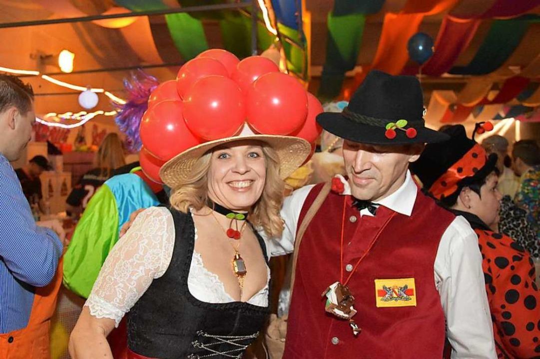 """Eindrücke von der """"Voll Bunt""""-Party der Rolli-Dudel    Foto: Heinz und Monika Vollmar"""