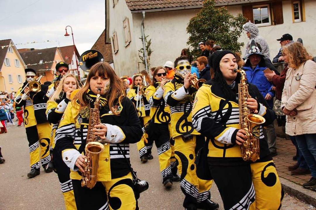 Tolle Klänge und tolle Kostüme: die Klangchaode, natürlich aus Gottenheim  | Foto: Mario Schöneberg
