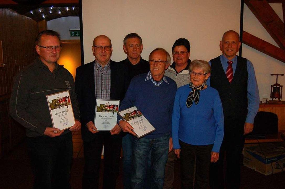 Der Vorstand gratulierte den Geehrten:...t, Rita Eble und Udo Opel (von links).  | Foto: Christian Ringwald