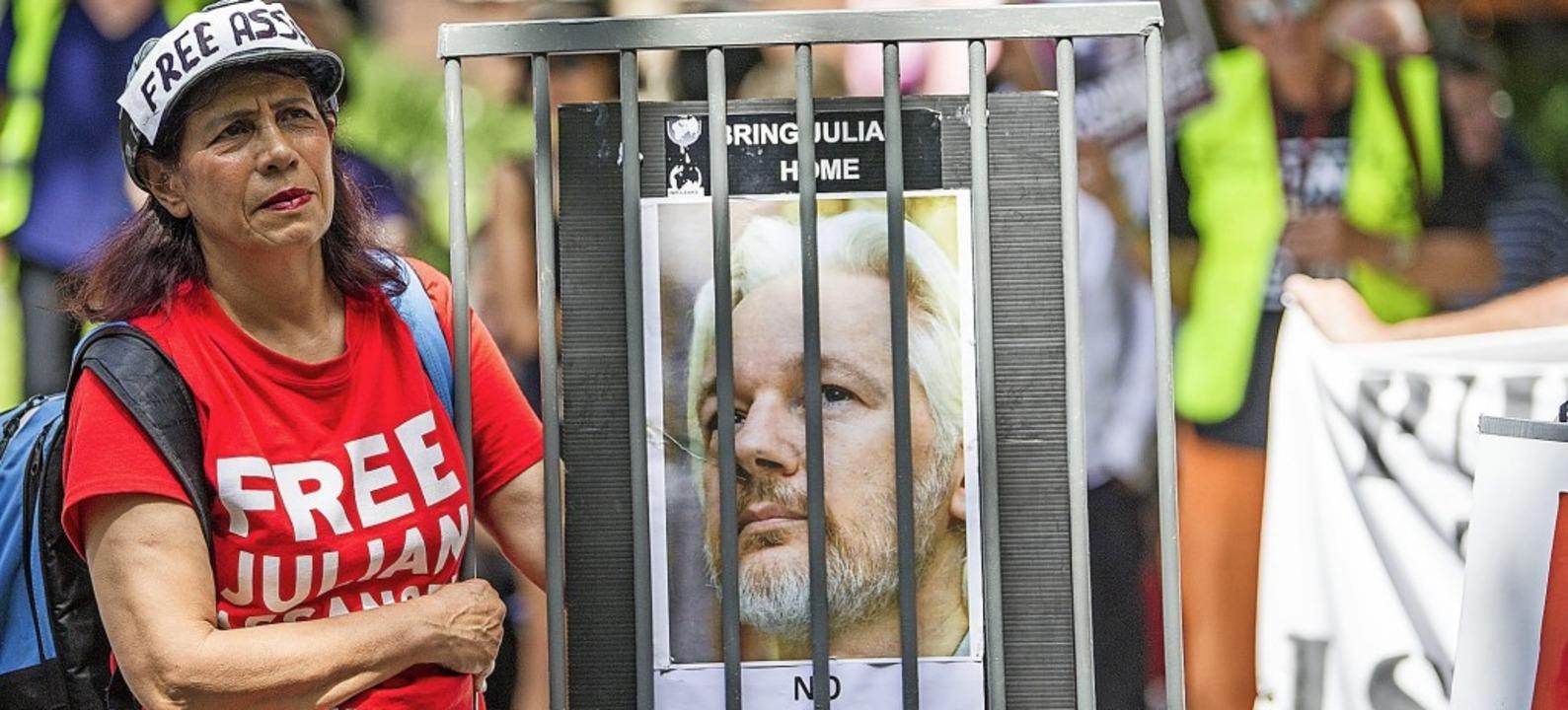 Wie hier in Melbourne forderten am Woc...t Menschen Freiheit für Julian Assange  | Foto: Pj Heller (dpa)
